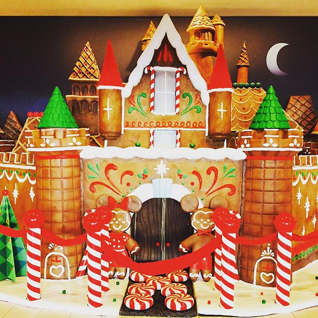 This gingerbread house appeared almost overnight at the